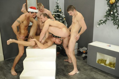 foto04-christmas-party-orgy
