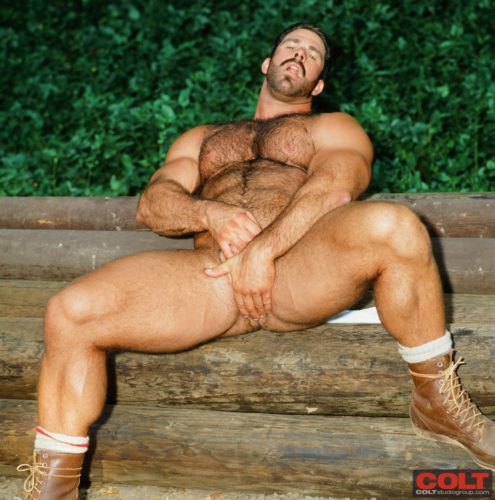 bodybuilder-naked
