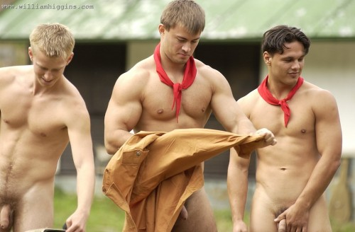 bfoto01-outdoor-naked