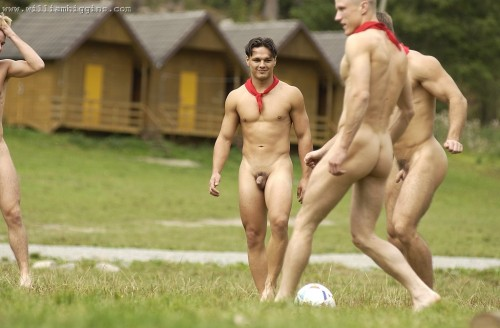 bfoto02-naked-muscle