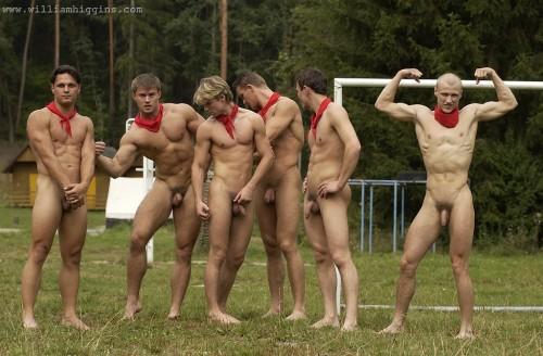 foto03-nude-outdoors-men