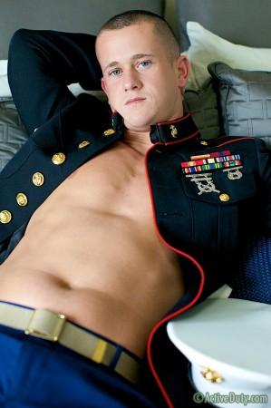 military-men-naked