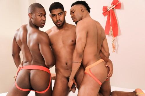 jockstrap-ass-threeway-gay-sex